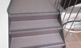 階段長尺シート施工 : After